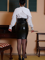 I am the teacher you have been dreaming of. If you stare long enough i might.. - Vintage Milfs